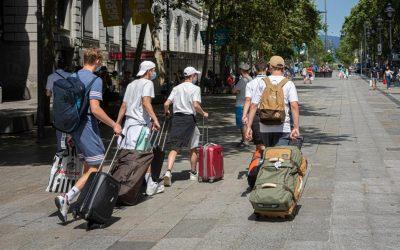 España recibió 204.926 turistas en junio, un 97,7% menos