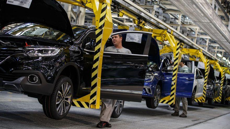 Renault acepta firmar un convenio de cuatro años para las plantas españolas