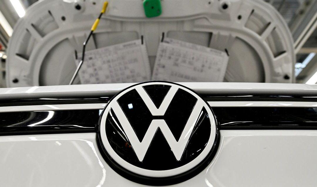 Volkswagen redujo en 2020 sus emisiones pero deberá pagar multa en Europa