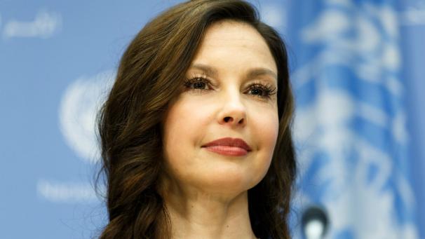La actriz Ashley Judd, una de las primeras mujeres en acusar públicamente a Weinstein, subrayó el viernes que no retirará su caso contra él.